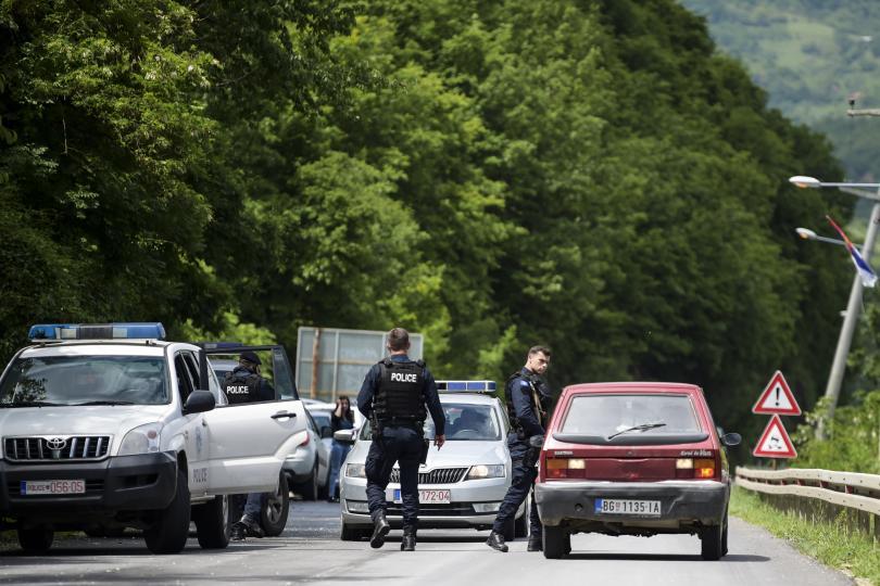 снимка 1 Мащабна операция на полицията в Северно Косово