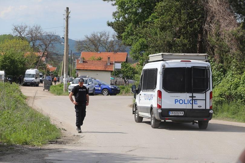 На деветия ден от издирването на заподозрения за убийства Стоян