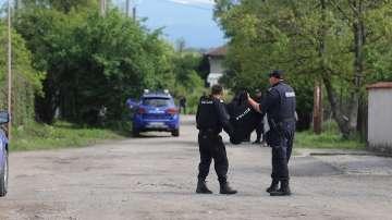 Евакуираха от Костенец застрашени от издирвания Стоян Зайков граждани