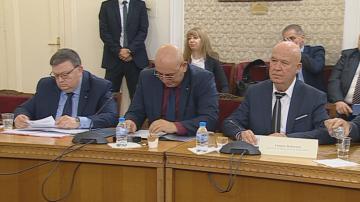 Двамата кандидати за шеф на КПКОНПИ представиха идеите си за борба с корупцията