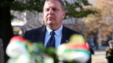 Каракачанов: Бъдещето на българската авиация зависи от волята на политиците