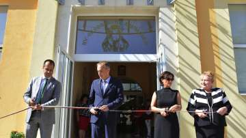 Министър Красимир Вълчев поздрави ученици, учители и родители за 15-ти септември