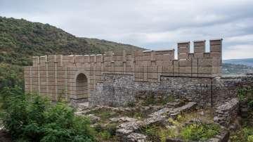 """Виртуална разходка в крепостта """"Кракра"""" за празника на Перник"""