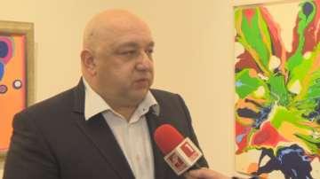 Красен Кралев откри първата си самостоятелна изложба живопис