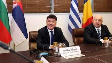 България трябва да работи най-усилено за Европейското по футбол
