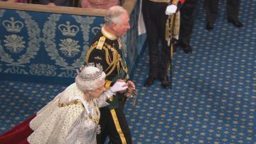 Елизабет II за пореден път спечели възхищение със своята осанка и елегантност