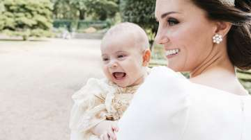 Първите официални снимки от кръщенето на принц Луи