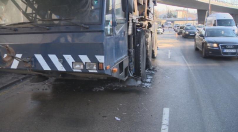 задръстване района румънското посолство заради запален кран