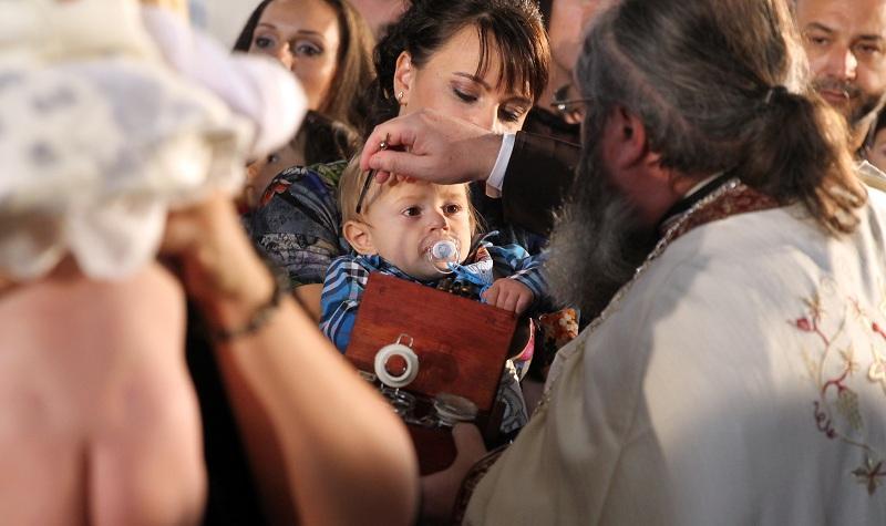 снимка 3 Хиляди деца получиха свето Кръщение в цяла България (СНИМКИ)