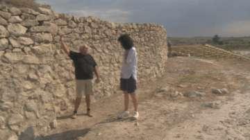 """""""Пътуване в миналото"""": Откриха най-ранните крепостни стени в цял свят у нас"""