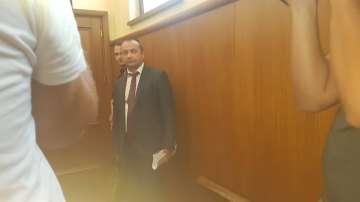 Кристиян Бойков се появи в съда по делото за мярката на шефа на ТАД Груп