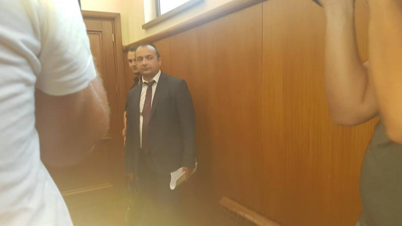 Снимка: Кристиян Бойков се появи в съда по делото за мярката на шефа на ТАД Груп