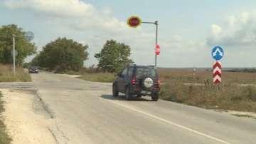 Шофьори настояват за светофар на кръстовище на смъртта край Варна