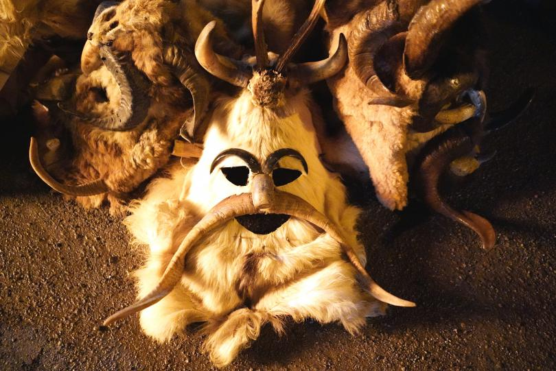 снимка 6 Започнаха зимните сурвакарски игри