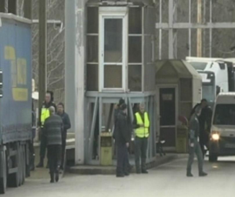 Гръцките фермери блокираха ГКПП Кулата с жива верига, но без техника