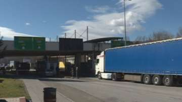 Пропускат камионите през ГКПП Кулата и в двете посоки