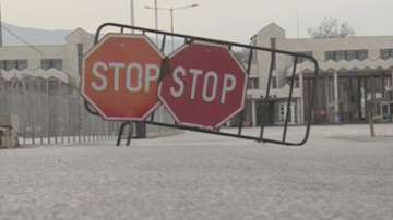 Превозвачите затварят от утре всички гранични пунктове с Гърция
