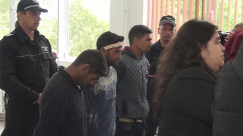 Съдът остави в ареста тримата братя, участвали при погрома на