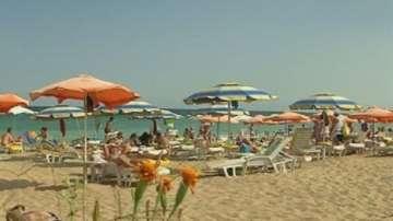 Рекордни обороти по морските курорти отчитат от НАП