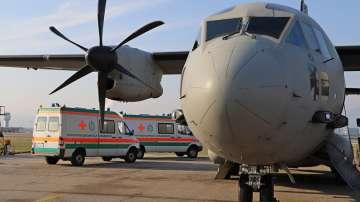 Транспортират до ВМА прострелялата се с Калашников курсантка (СНИМКИ)