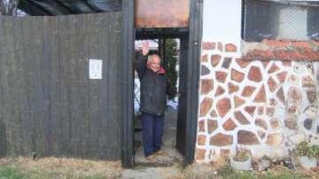 Мъж от Ново село дарява къщата си на пострадали от Хитрино