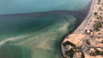 Петрол е изтекъл в териториалните води на Кувейт