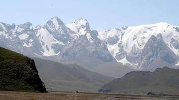 Българин е загинал при падане на 6200 м височина в планината Тяншан