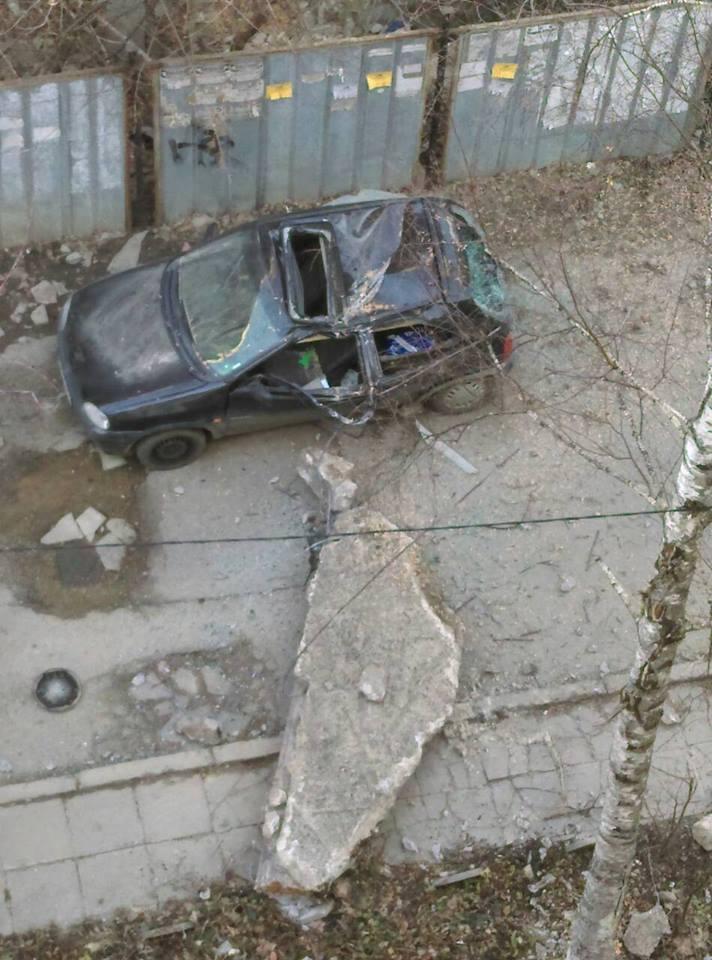 снимка 2 Бетонен къс смаза кола в София - кой носи отговорност?