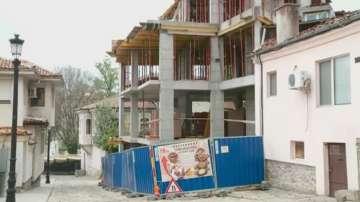 Строеж превзе тротоар в Стария град в Пловдив