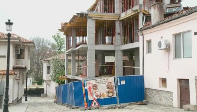 Снимка: Строеж превзе тротоар в Стария град в Пловдив