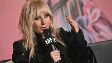 Лейди Гага отново влезе в звукозаписното студио