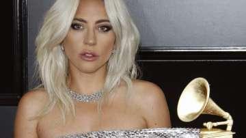 Лейди Гага само с мениджъра си на церемонията за Оскар-ите