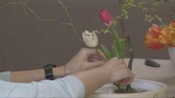 Как се прави икебана с български цветя?
