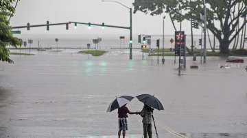 """""""Лейн"""" връхлетя Хаваите с поройни дъждове и силни ветрове"""