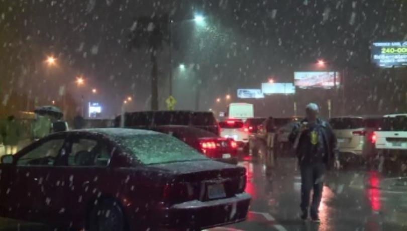 Сняг заваля в Лас Вегас и затрупа с 10-сантиметрова бяла