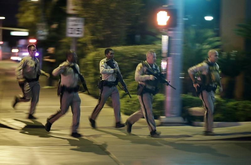 снимка 3 Стрелбата в Лас Вегас в снимки и видеа на очевидци