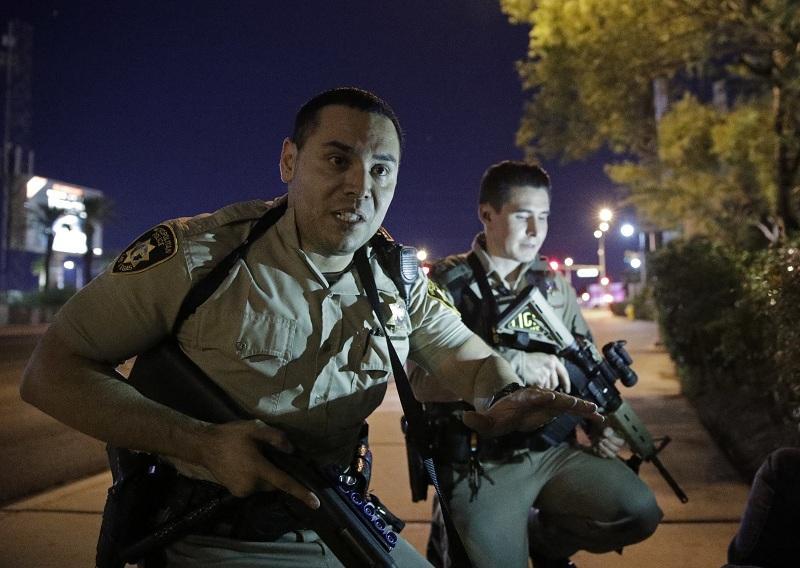 снимка 6 Стрелбата в Лас Вегас в снимки и видеа на очевидци