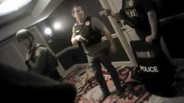 Разпространиха видео от хотелската стая на стрелеца Стивън Падок в Лас Вегас