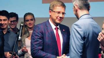 Опозиционната партия Хармония печели парламентарните избори в Латвия