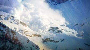 Предупреждение за висока лавинна опасност