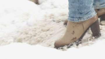 Тротоари като ледени пързалки