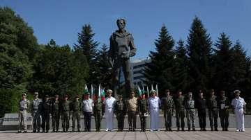 Лекари от ВМА преминаха курс по военна подготовка