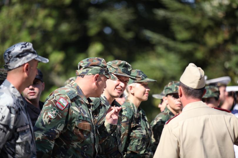 снимка 1 Лекари от ВМА преминаха курс по военна подготовка