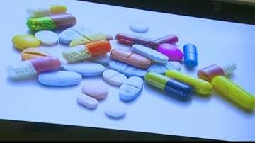 Килограми стари лекарства се изхвърлят в кофите за боклук