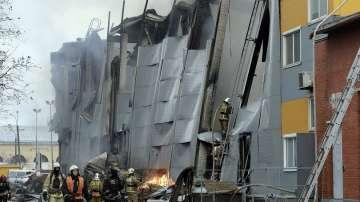Двама души пострадаха при голям пожар в хипермаркет в Санкт Петербург