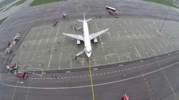 Българи са блокирани часове в самолет на летището в Амстердам
