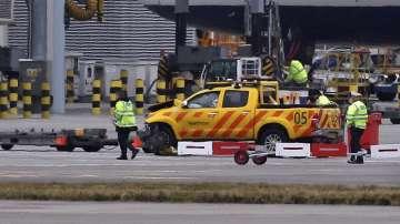 Възобновиха полетите на летище Хийтроу след прекъсването заради дрон