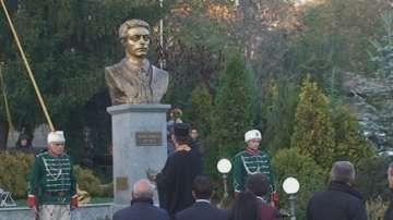 Откриха паметник на Левски в Попово