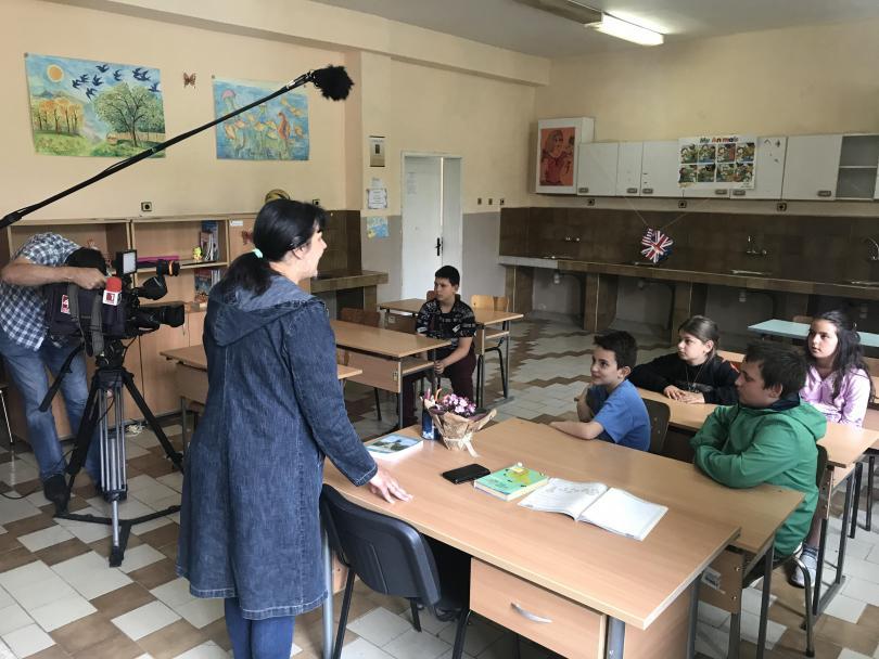Учениците получиха задача, по-голяма от домашните в училище от своята учителка Христина Петрова