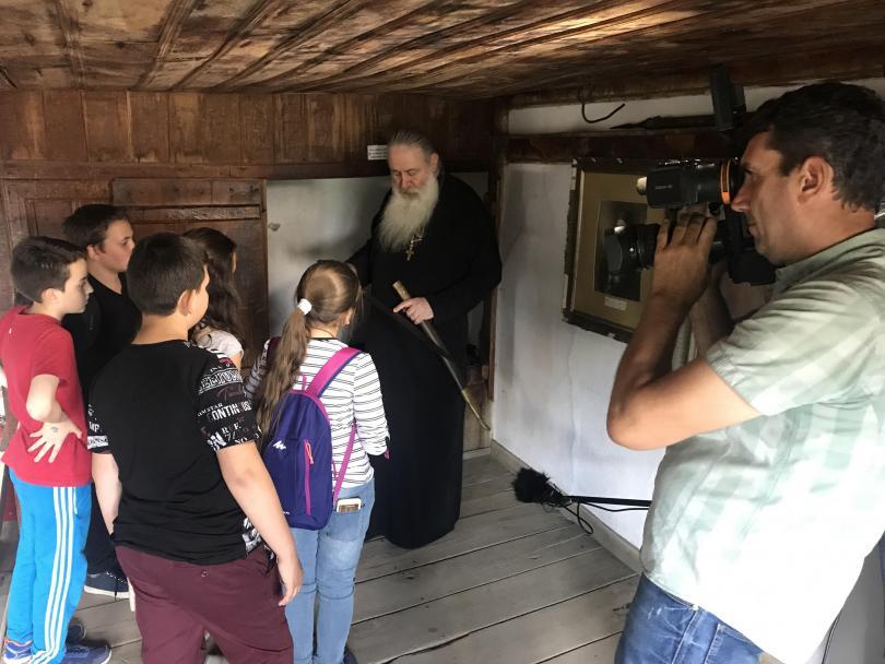 Учениците откриха сабята на Васил Левски в Троянския манастир